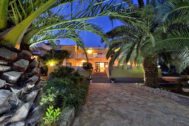 15 bed villa for sale in 967Tgku, Sukosan, Croatia