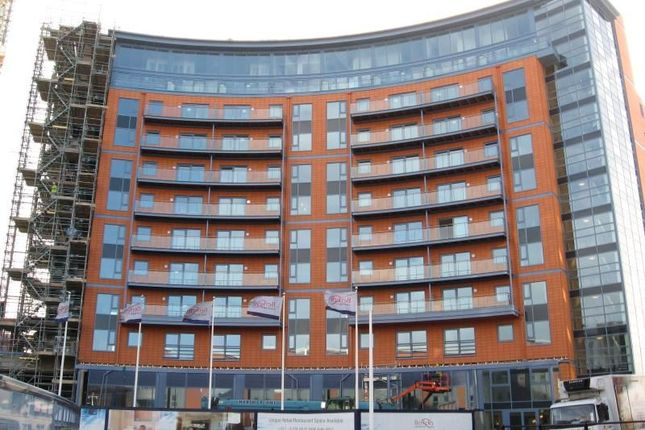 Thumbnail Flat to rent in The Crescent, Gunwharf Quays, Portsmouth