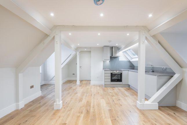 1 bed flat to rent in Syresham Gardens, Haywards Heath RH16