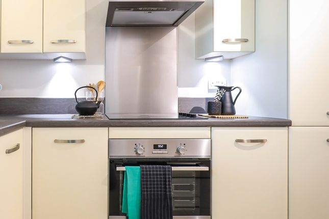 2 bed duplex for sale in Pioneer Court, Canning Town, London