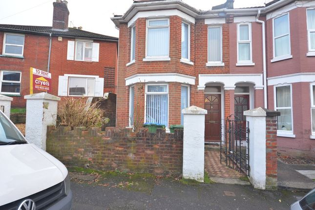 3 bed semi-detached house to rent in Sandhurst Road, Polygon, Southampton, Hampshire