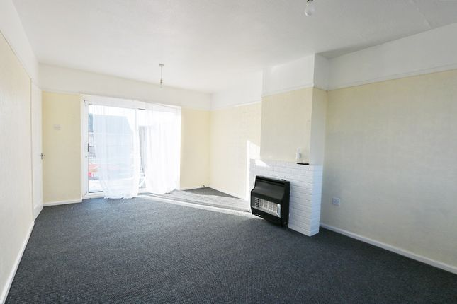 Thumbnail Flat to rent in Gabalfa Avenue, Cardiff