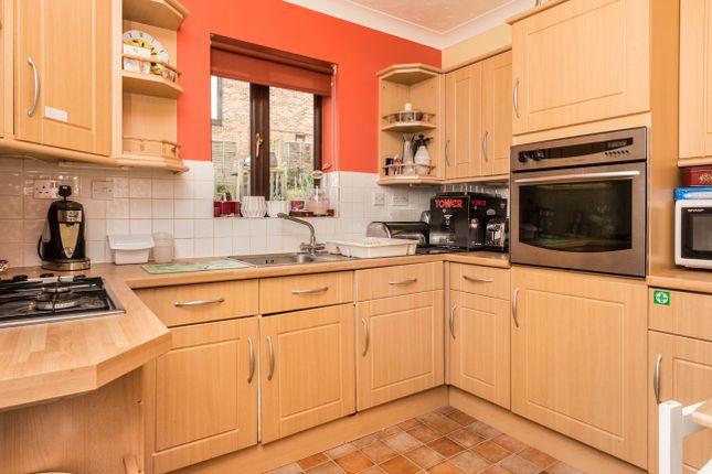 Annexe Kitchen of Waterloo Way, Irthlingborough, Wellingborough NN9