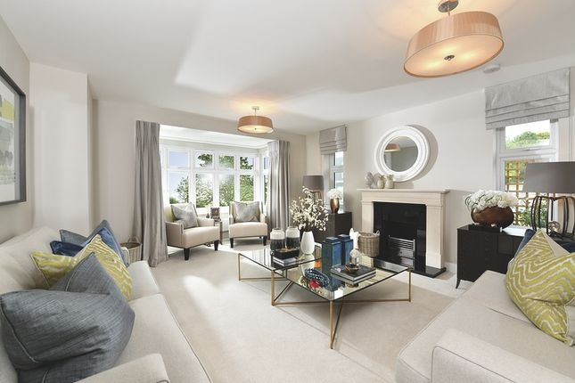 Thumbnail Detached house for sale in Worthing Road, Southwater