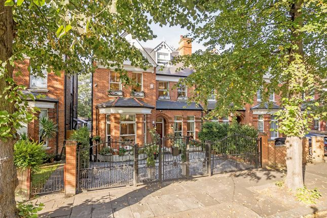 Thumbnail Property for sale in Dukes Avenue, London