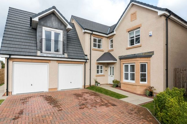 Thumbnail Detached house for sale in Kinlouch Crescent, Rosewell, Midlothian
