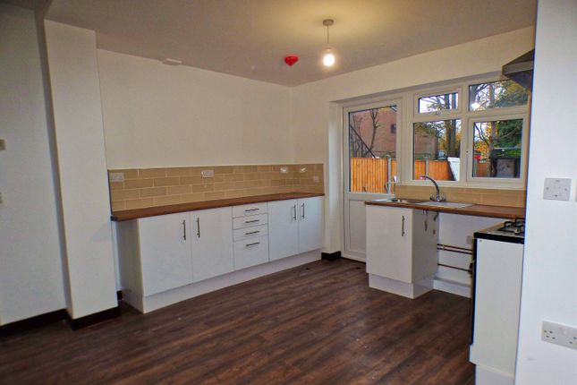 Flat to rent in North Circular Road, Palmers Green