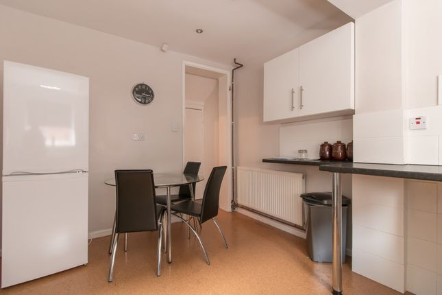 3 bed shared accommodation to rent in Rostherne Street, Salford M6