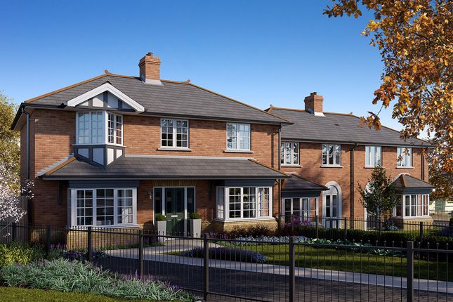 Thumbnail Detached house for sale in Forest Road, Loughton