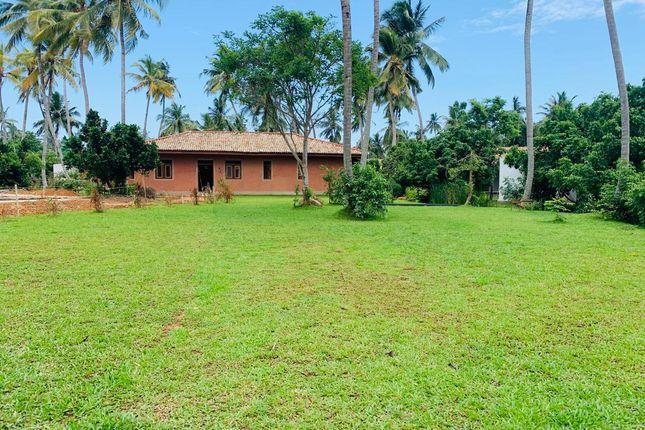 Thumbnail Villa for sale in Ahangama, Ruhuna, Sri Lanka