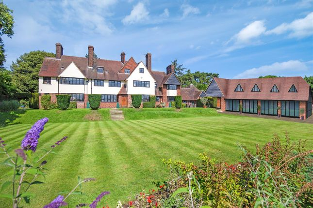 Thumbnail Property for sale in Yewlands, Hoddesdon