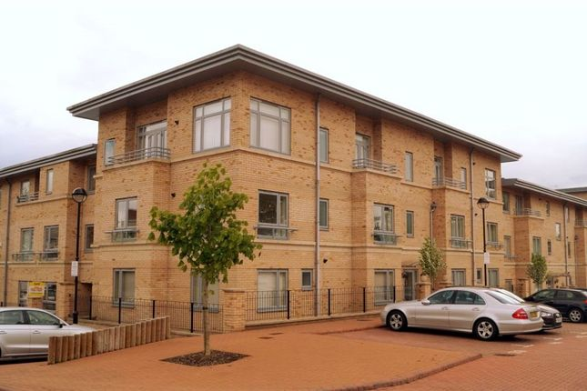 2 bed flat to rent in Homerton Street, Bletchley, Milton Keynes
