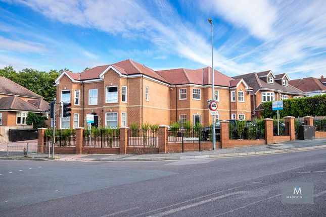 1 bed flat for sale in Mayfair Court, Manor Road, Chigwell IG7