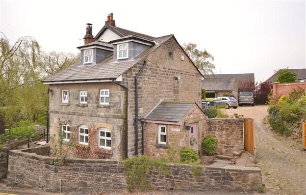 Thumbnail Cottage for sale in Dolphin Cottage, 3 Chorley Old Road, Whittle Le Woods, Chorley