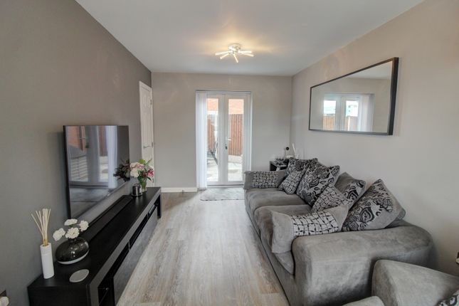 Lounge of Shropshire Close, Walsall WS2