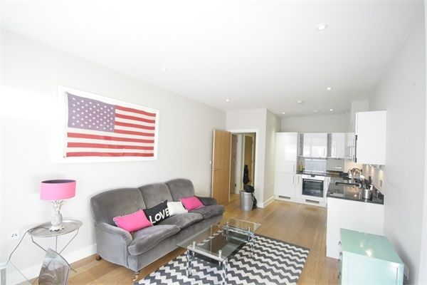Thumbnail Flat to rent in Westminster Bridge Road, London
