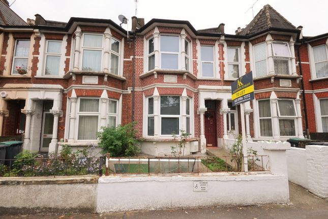4 bed terraced house to rent in Ashmount Road, London