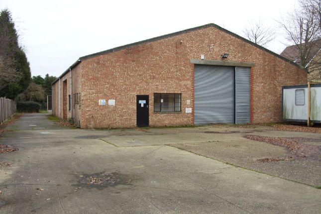 Thumbnail Industrial to let in Commercial Road, Staines