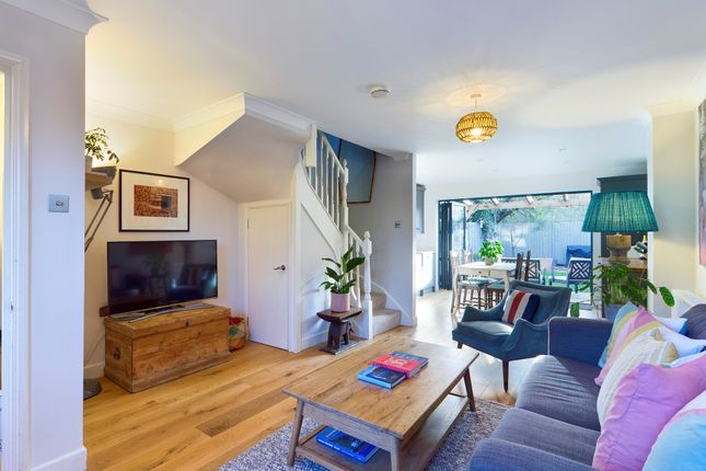 Thumbnail Terraced house for sale in Compton Close, Peckham