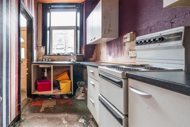 Kitchen of Autumn Street, Halifax HX1