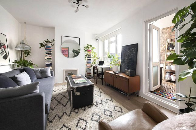 1 bed flat for sale in King Henry's Walk, Canonbury, London N1