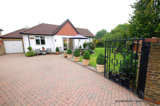 5 bed detached bungalow for sale in Southbrook Drive, Cheshunt, Waltham Cross
