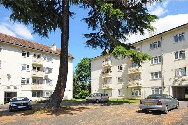 Thumbnail Flat to rent in Milton House, Kingsnympton Park, Kingston Upon Thames