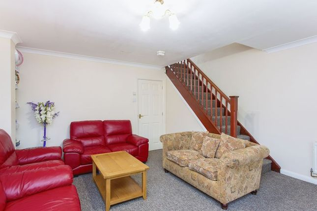 Thumbnail Semi-detached house to rent in Holly Cottage Mews, Uxbridge