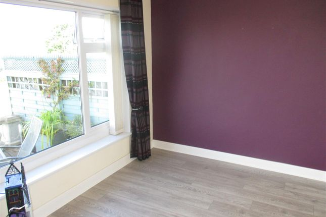 Dining Room of Melville Close, Barry CF62