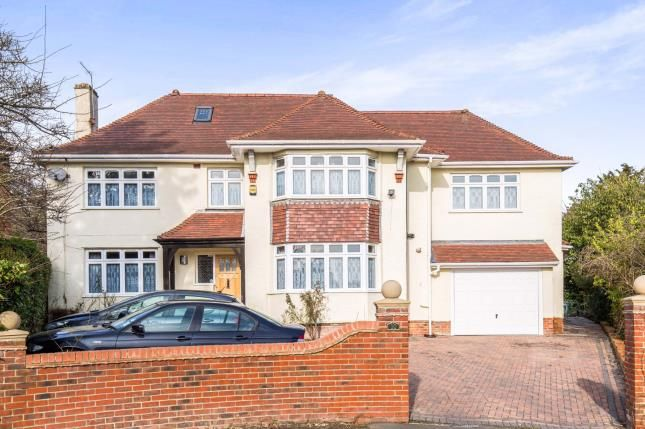 Thumbnail Detached house for sale in Bassett Close, Southampton