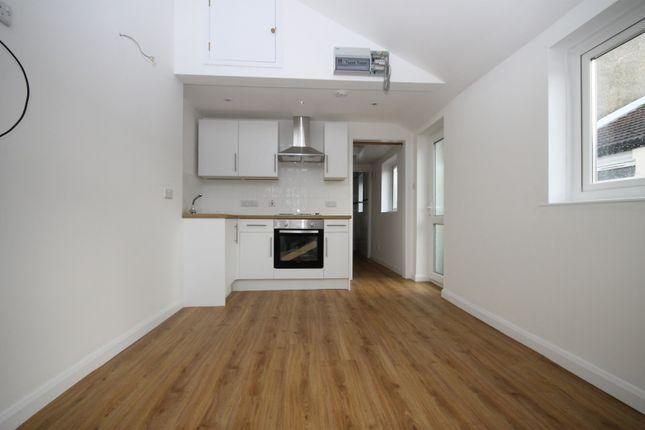 Thumbnail Flat to rent in Bayford Road, Littlehampton