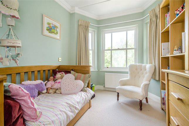 Picture No. 31 of Hampton Court Road, East Molesey KT8