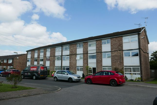 Thumbnail Flat to rent in Grove Road, Lingfield