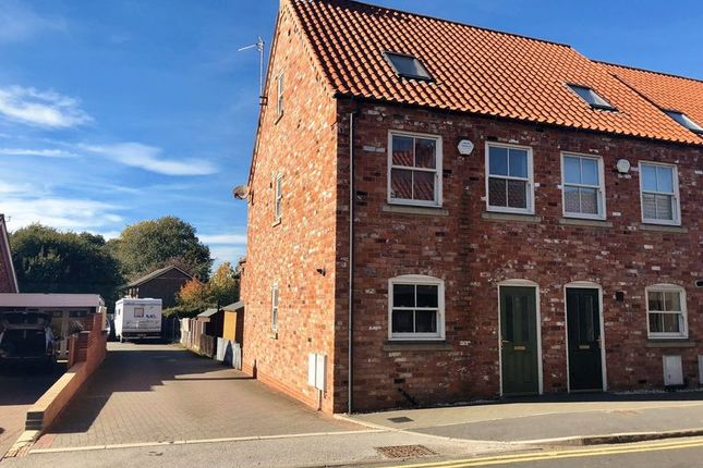 Thumbnail Terraced house for sale in High Street, Crowle, Scunthorpe