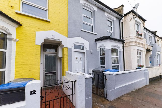 Thumbnail Room to rent in Napier Road, London