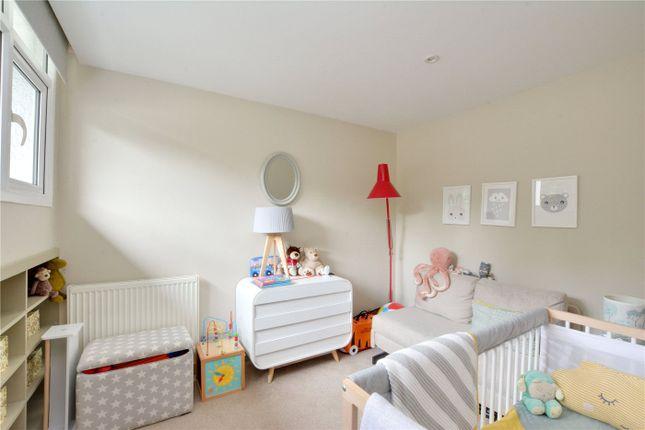 Picture No. 02 of Howard Court, Blackheath Hill, Greenwich, London SE10