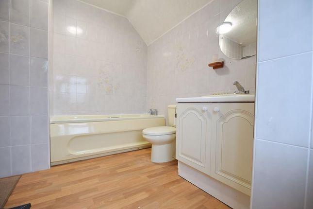 Bathroom of Press Road, Uxbridge UB8