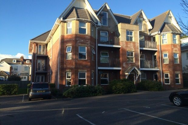 Flat to rent in Florence Road, Boscombe, Bournemouth
