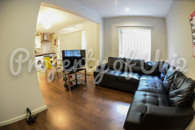 Thumbnail Flat to rent in Cranmer Street, City Centre, Nottingham