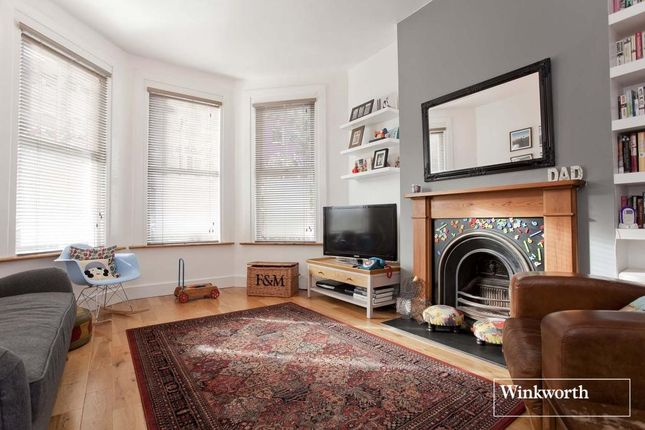 2 bed flat for sale in Hampden Road, Harringay, London