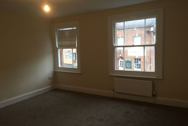 Thumbnail Flat to rent in High Street, Glastonbury