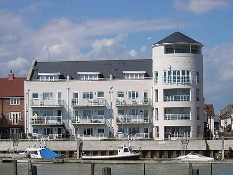 Thumbnail Flat to rent in Mariners Quay, Littlehampton
