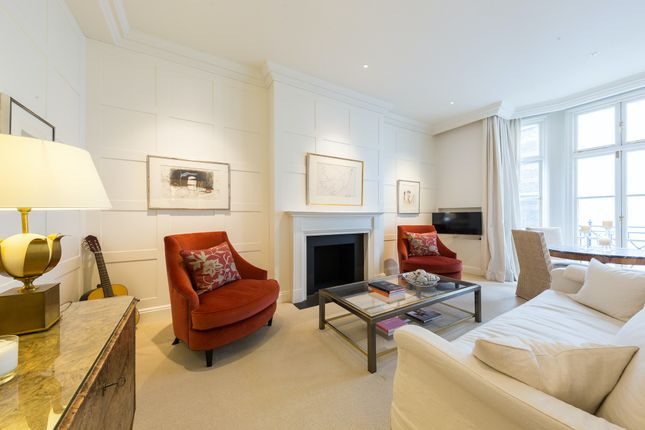 Thumbnail Triplex to rent in Bury Street, London