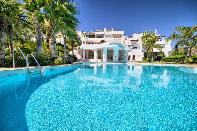 Complex And Pool of Spain, Málaga, Benahavís, La Quinta Golf