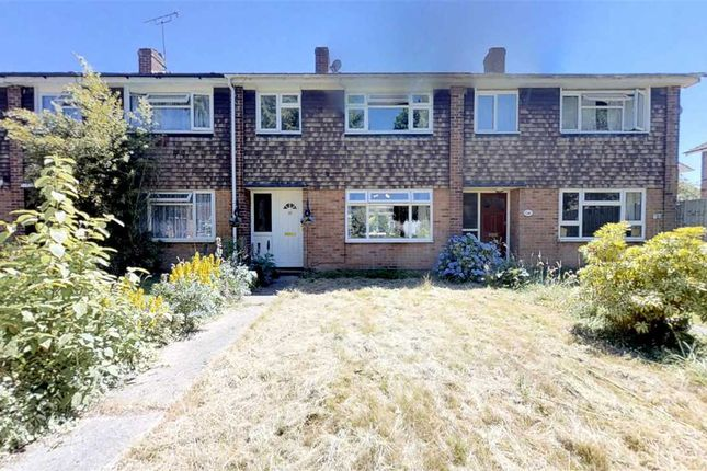 Thumbnail Terraced house for sale in Meadgate Avenue, Great Baddow, Chelmsford