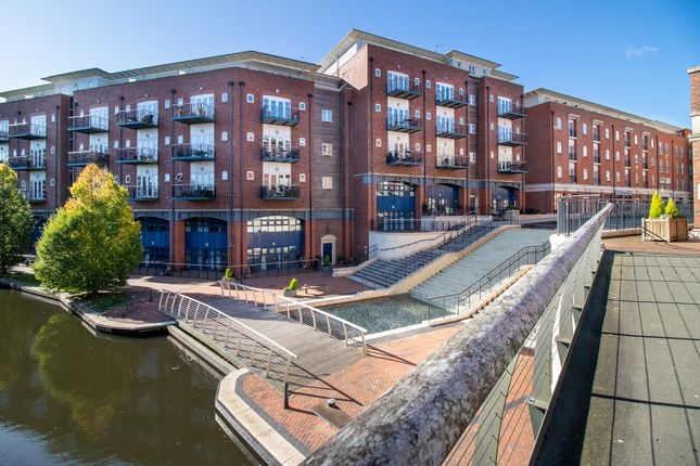 3 bed flat for sale in Waterside Heights Waterside, Shirley, Solihull B90