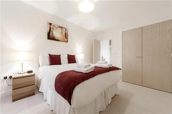 Thumbnail Flat to rent in Nouvelle House, Sutton Court Road, London