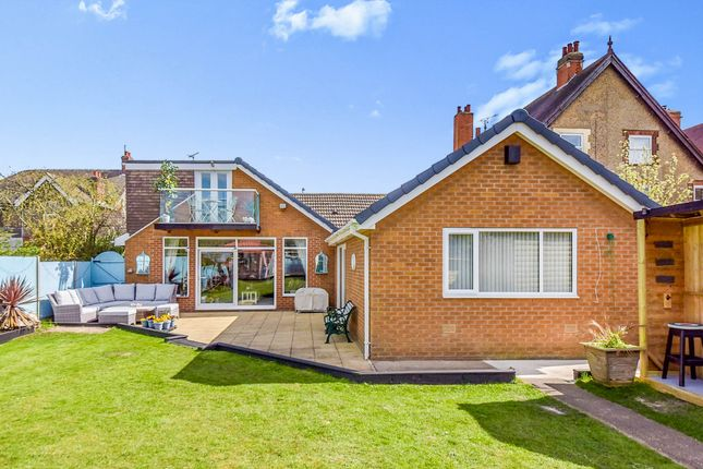 Thumbnail Detached bungalow for sale in North Parade, Grantham