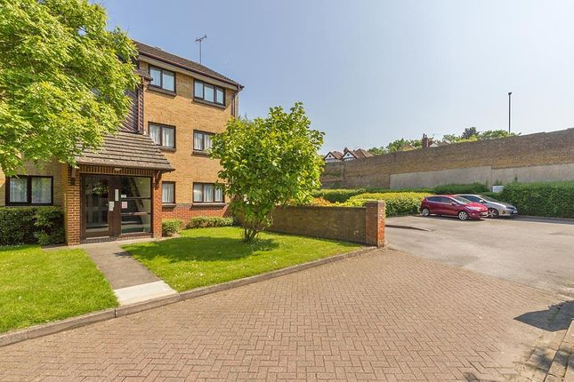 Thumbnail Flat to rent in Barkers Court, Sittingbourne