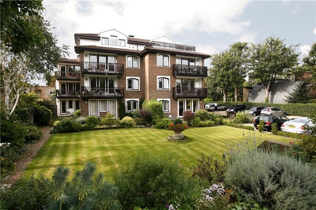 Thumbnail Flat for sale in Madingley Court, Willoughby Road, Twickenham